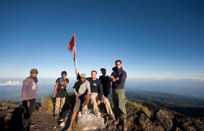 group-at-summit-tambora